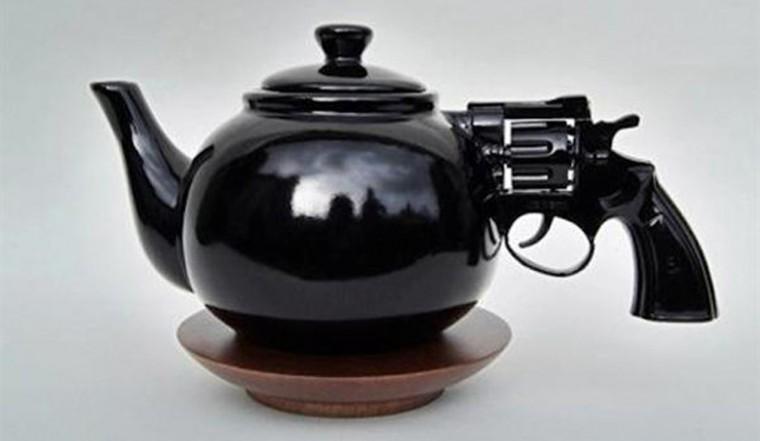revolver-gun-teapoweb