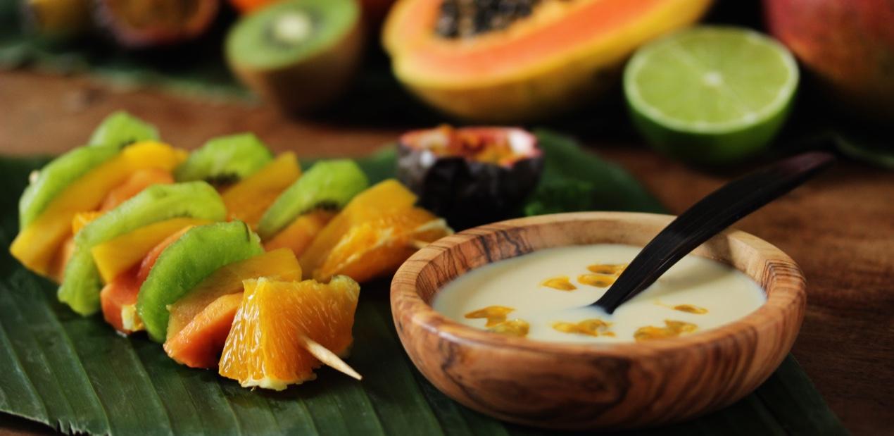 Brochettes de fruits & crème au thé Amazone d'Envouthé