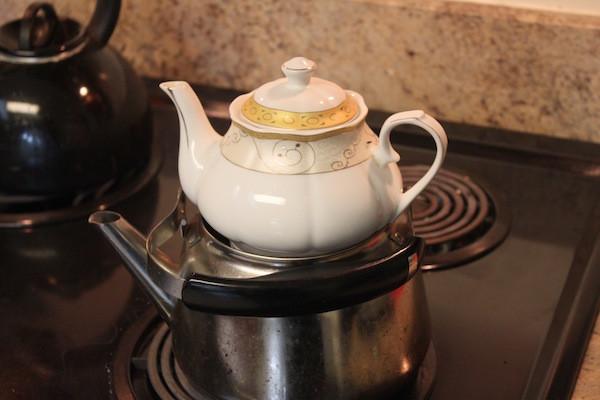 Une théière de thé en Irak